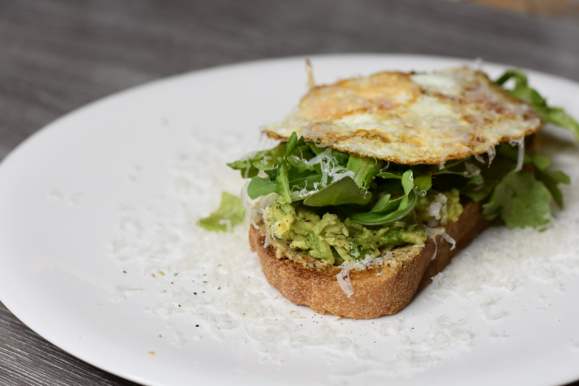 Avocado Toast with Arugula and Shallot