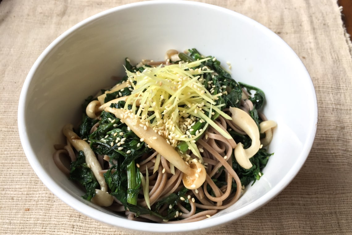 Cold Soba with Chrysanthemum Leaves and Shimeji Mushrooms