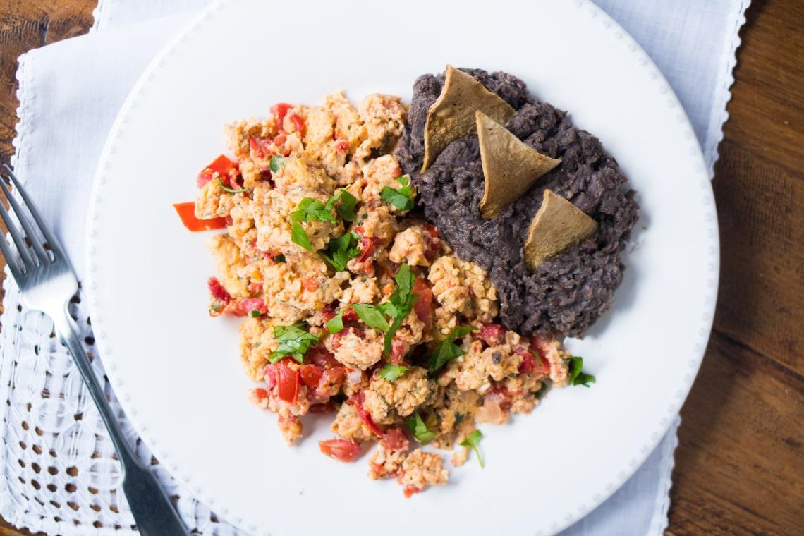 Huevos a la Mexicana con Frijoles (Mexican Eggs with Beans)