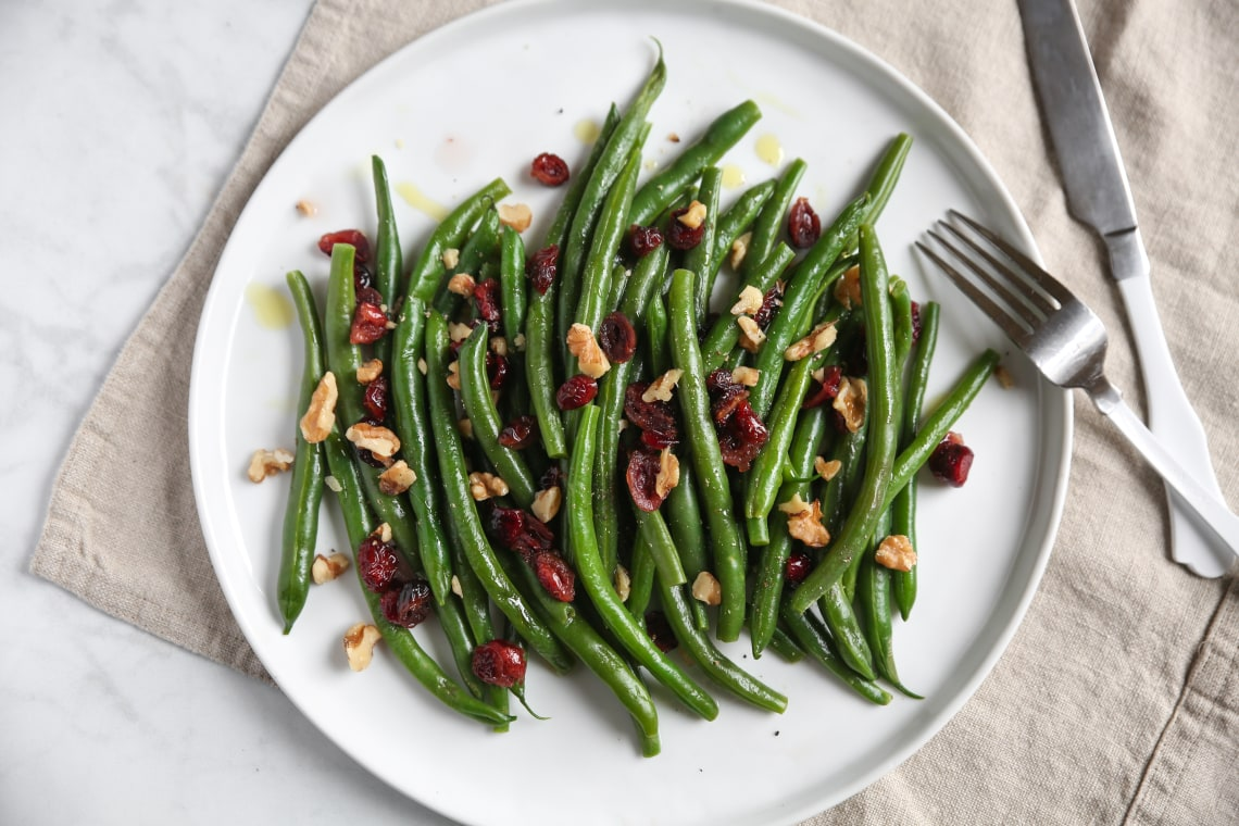 Pressure Cooker Steamed Green Beans with Cranberries and Walnuts