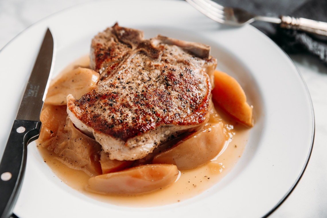 Pressure Cooker Pork Chops and Apples
