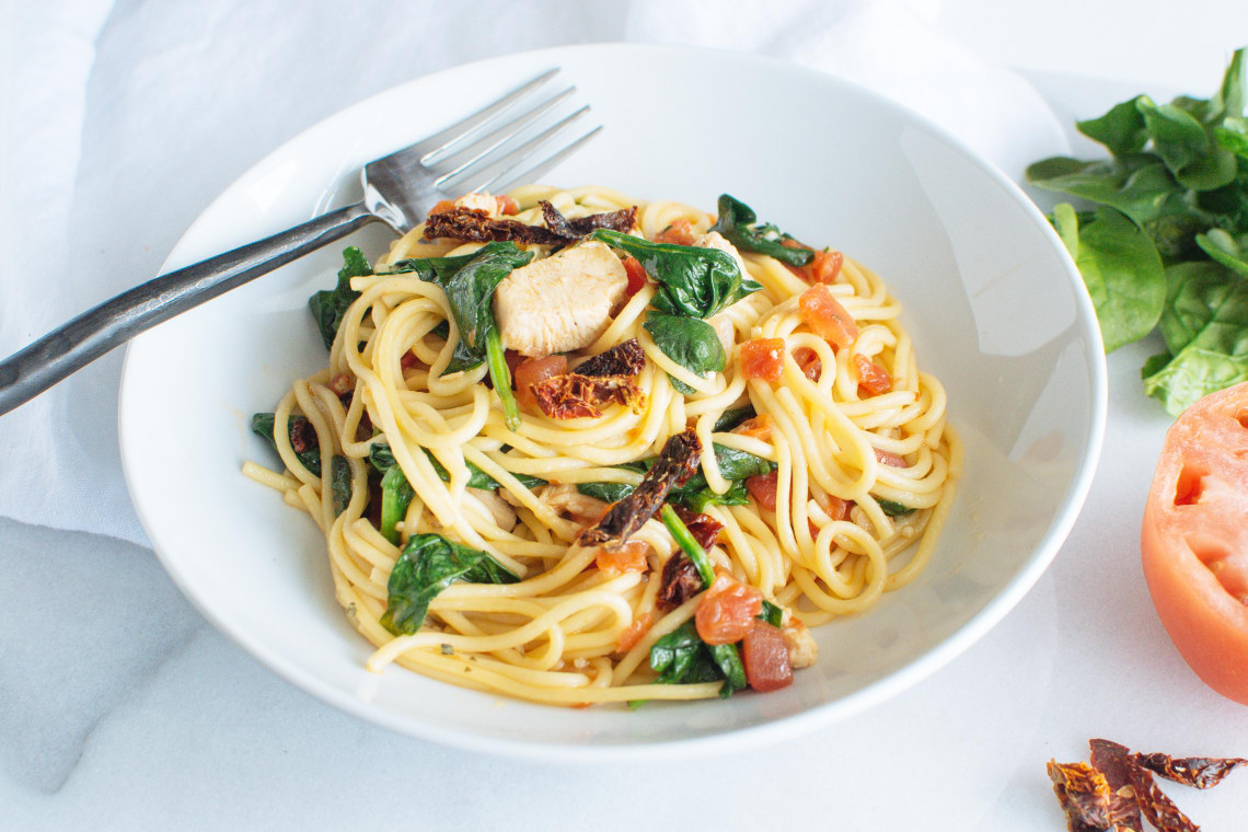 Pressure Cooker Chicken Spaghetti with Spinach and Tomatoes