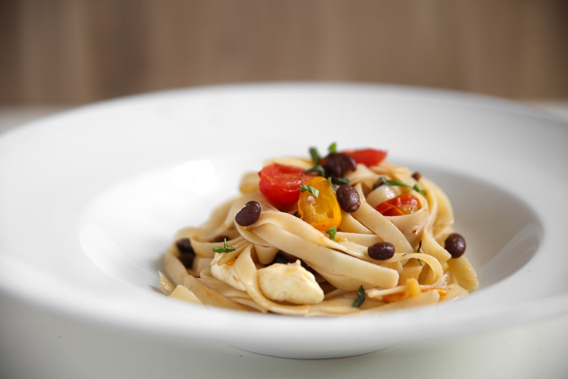 Pasta with Tomatoes and Black Beans