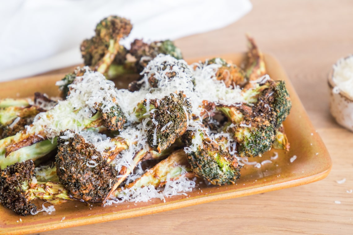Air Fryer Garlic-Parmesan Broccoli