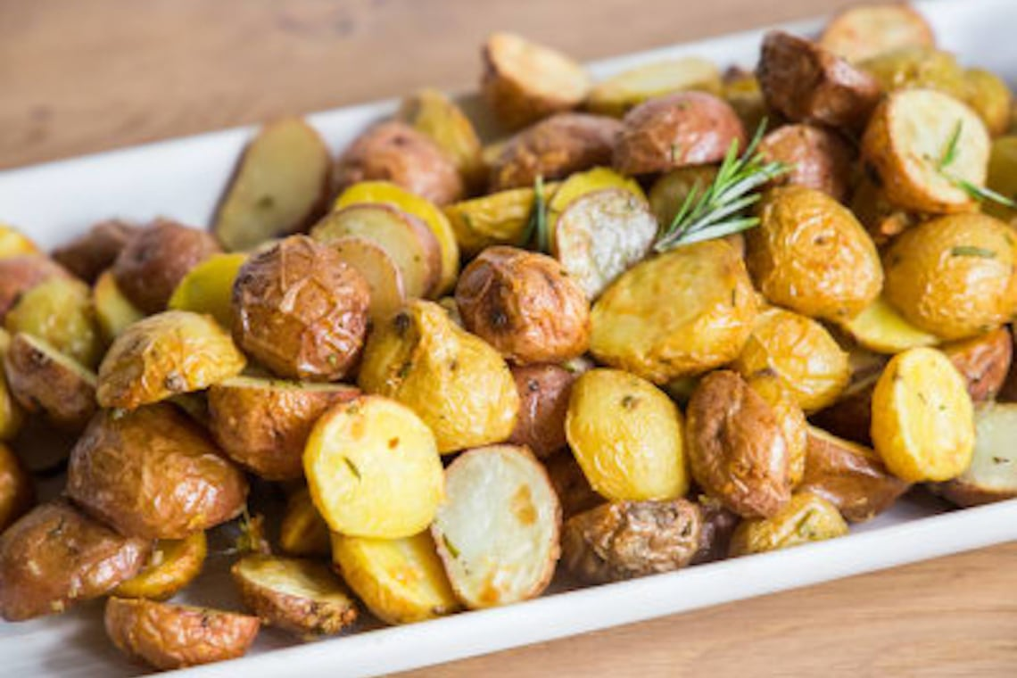 CrispLid Crispy Garlic Potatoes