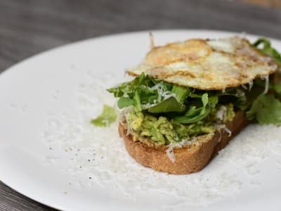 Image forAvocado Toast with Arugula and Shallot