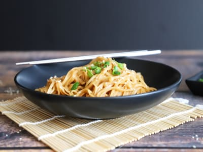 Image forPressure Cooker Sticky Chili-Garlic Noodles with Chicken
