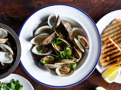 Image forPressure Cooker Clams in Garlic Butter Sauce