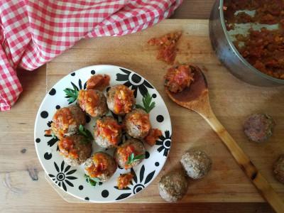 Image for Baked Turkey Meatballs with Tomato Leek Chutney