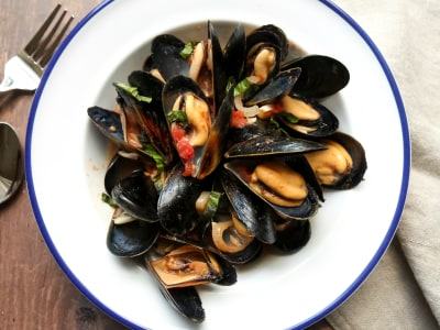 Image for Mussels with Spicy Tomato Sauce