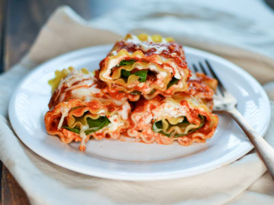 Image for Spinach and Cheese Lasagna Rolls