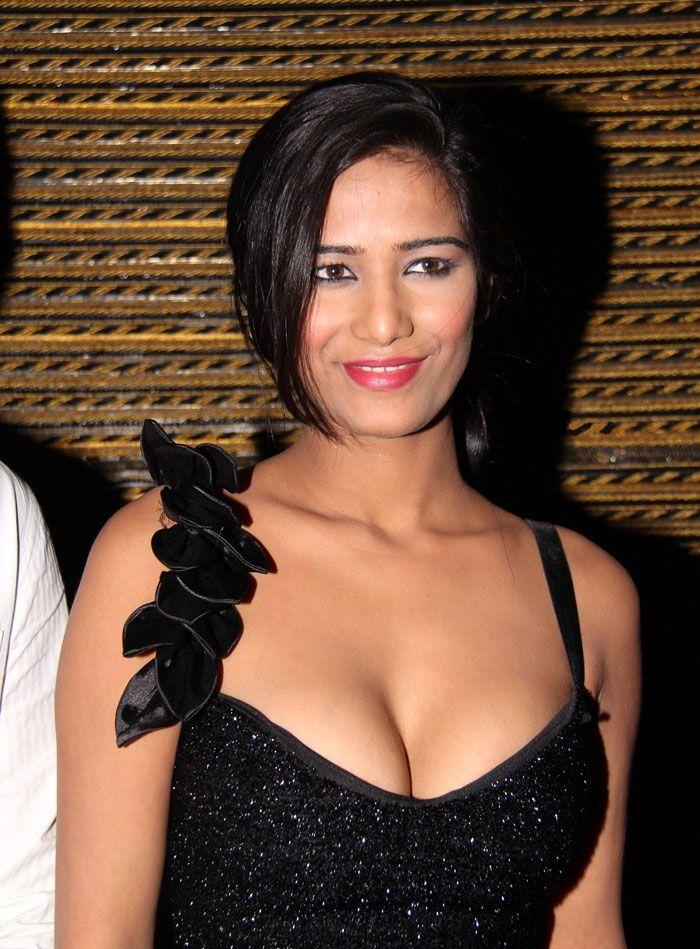 bold bollywood actress on social media
