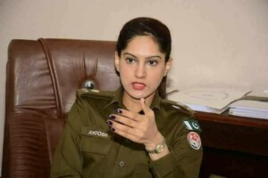 hottest police officer pakistan