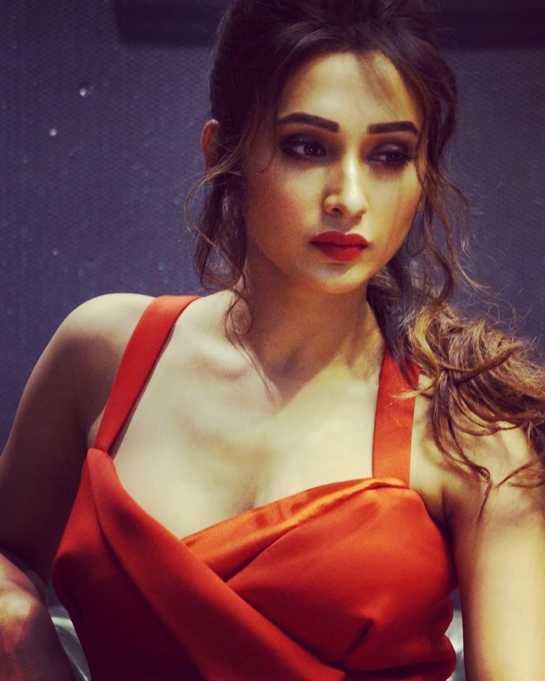 Mimi Chakraborty Photos