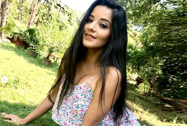 bhojpuri actress monalisa hot photos