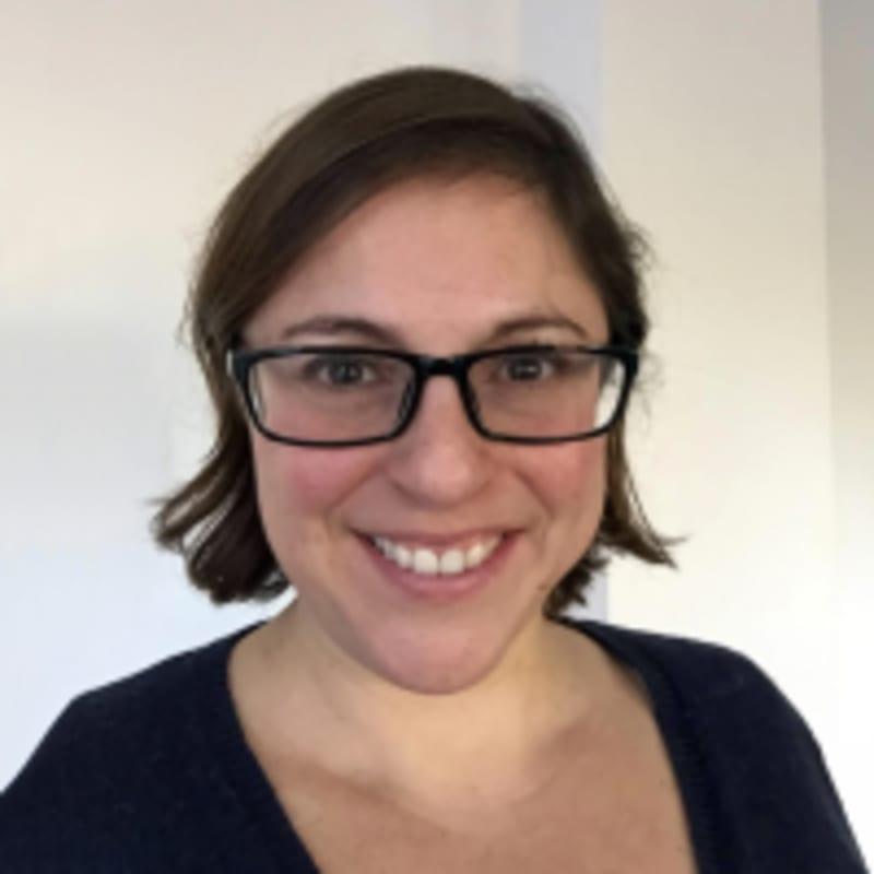 Dr Abby Hyams Profile