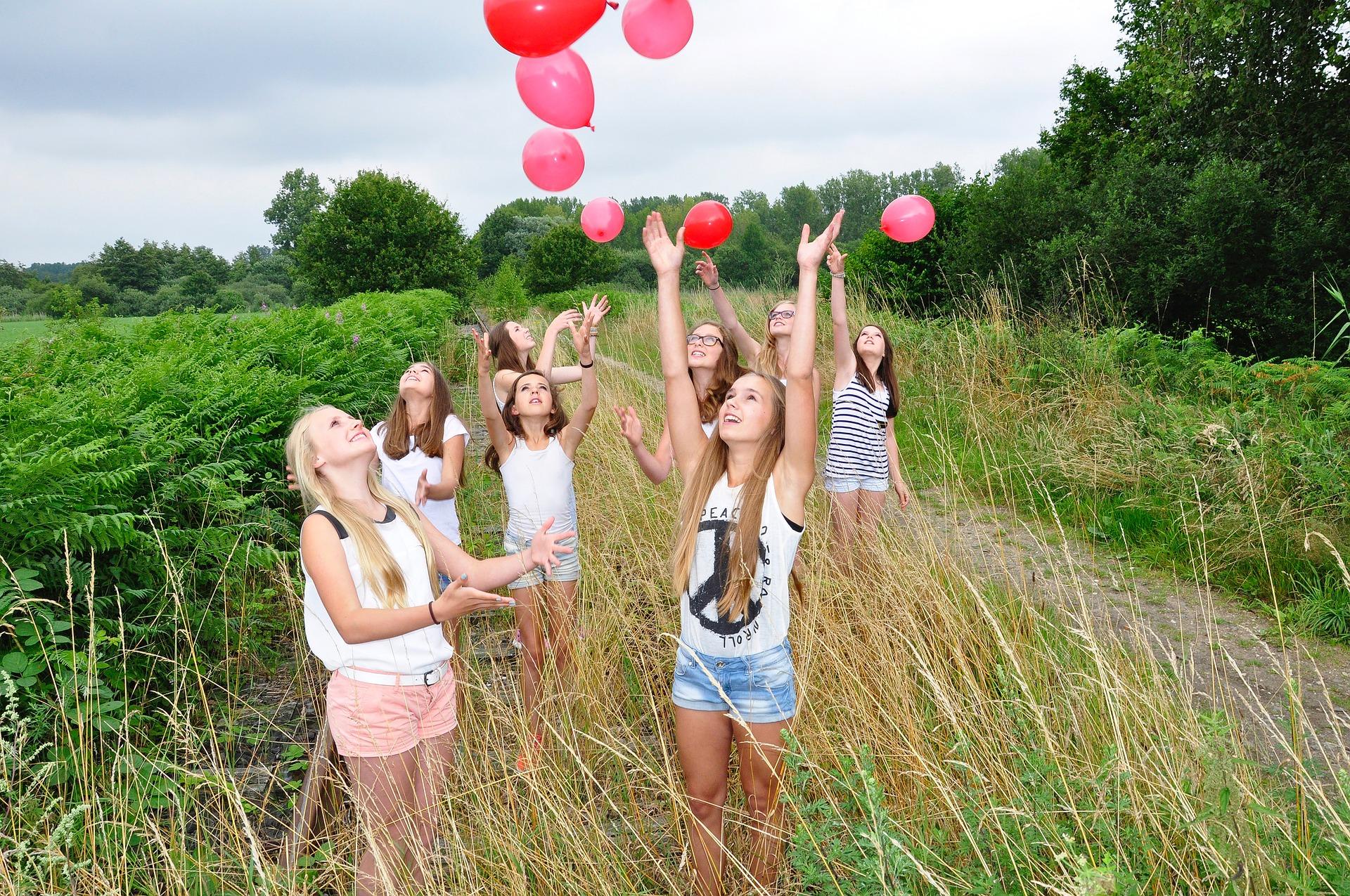 hypnose-pour-accompagner-les-adolescent-a-la-rentree
