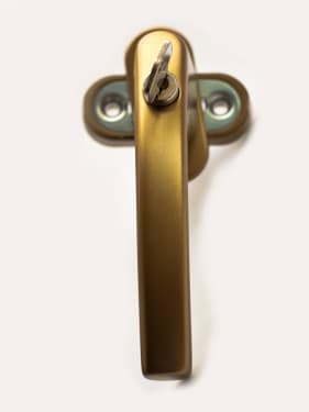 Ручка оконная с ключом BLAUGELB 1758 F4 (бронза), длина штифта 37мм - photo 4