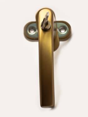 Ручка оконная с винтами BLAUGELB штифт 43мм (бронза) с ключом - photo 4