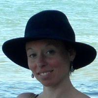 Diplômée d'un Master à l'Université de Paris 8 & correctrice formée au CEC, accompagnatrice français, philosophie.