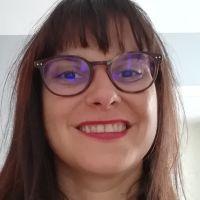 Enseignante de Français Langue Étrangère depuis 2013, aide aux devoirs.