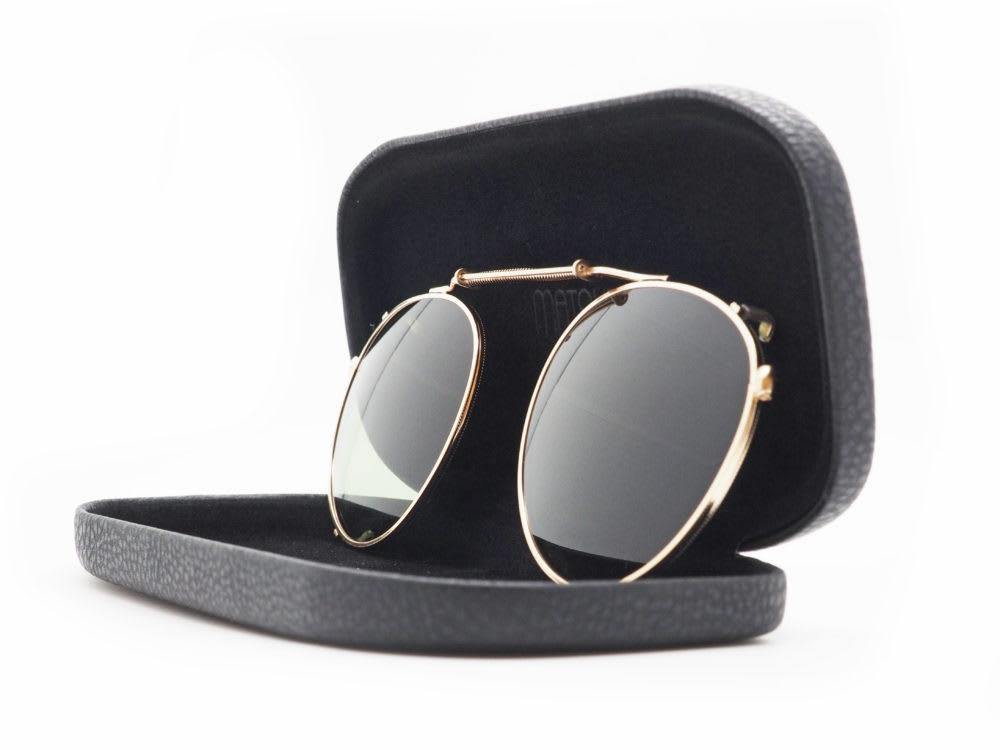 サングラスに早変わり MATSUDA eyewear, M3085とM3086