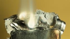 Burning magnesium