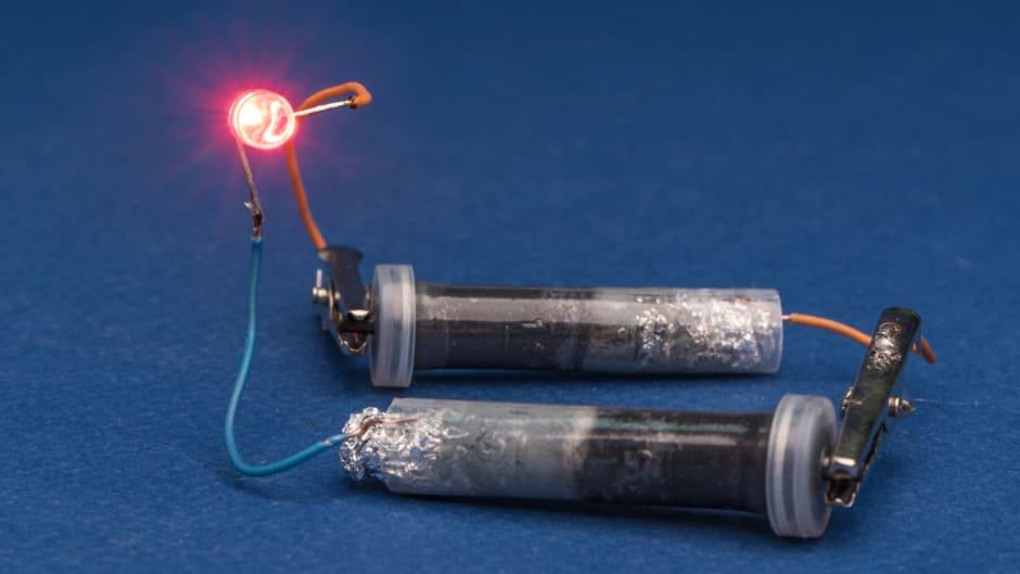 Zinc-carbon battery