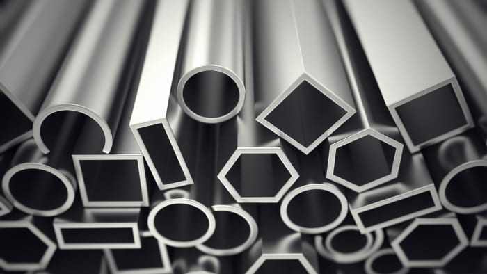 Characteristics of aluminum and the combustion reaction of metal