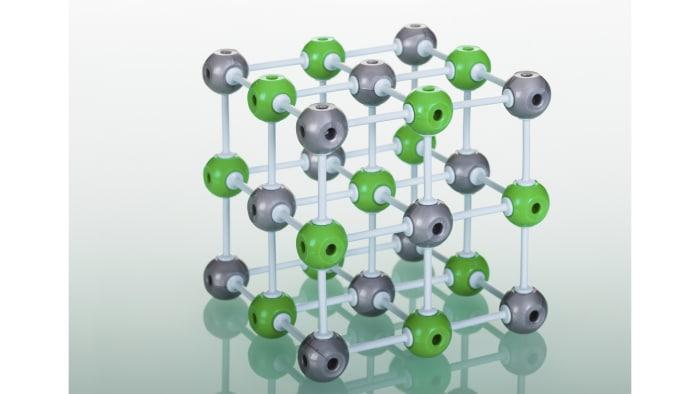 Determining oxidation states in magnesium and beryllium