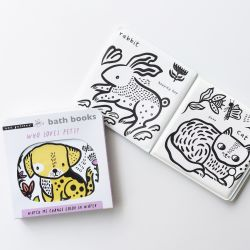 Colour Me Bath Book: Who loves Pets?
