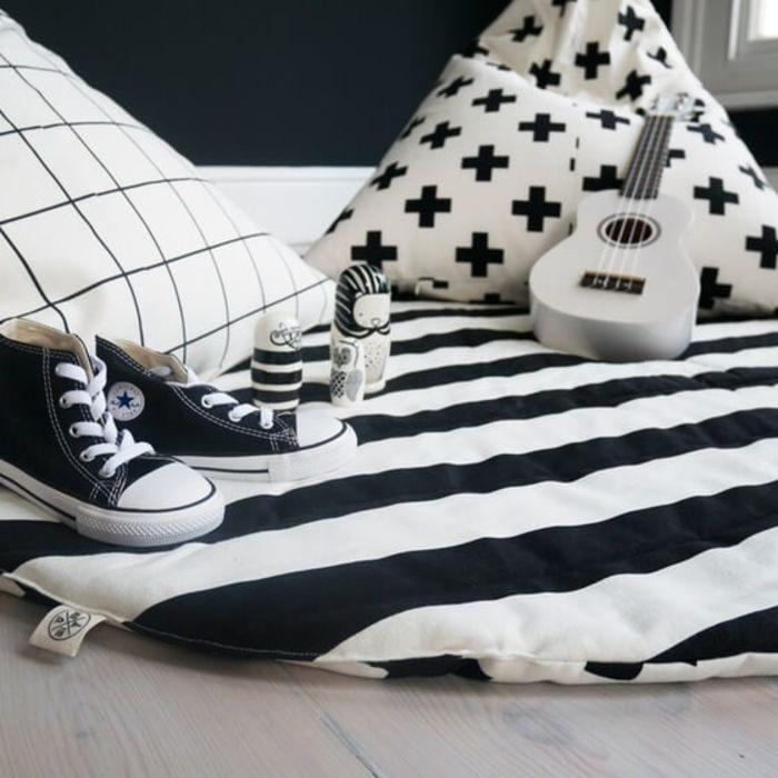Stripe & Cross Print Play Mat