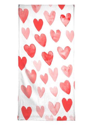 """Juniqe Strandtuch """"Valentines Hearts"""" in Rot & Weiß"""