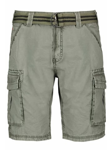 Authentic Style Cargoshorts in olive