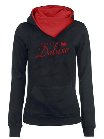 Pussy Deluxe Schalkragenpullover Logo in schwarz/rot