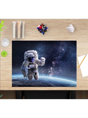 """Cover-your-desk.de  Schreibtischunterlage """"Astronaut im Weltall"""" in Blau (L)60 x (B)40"""