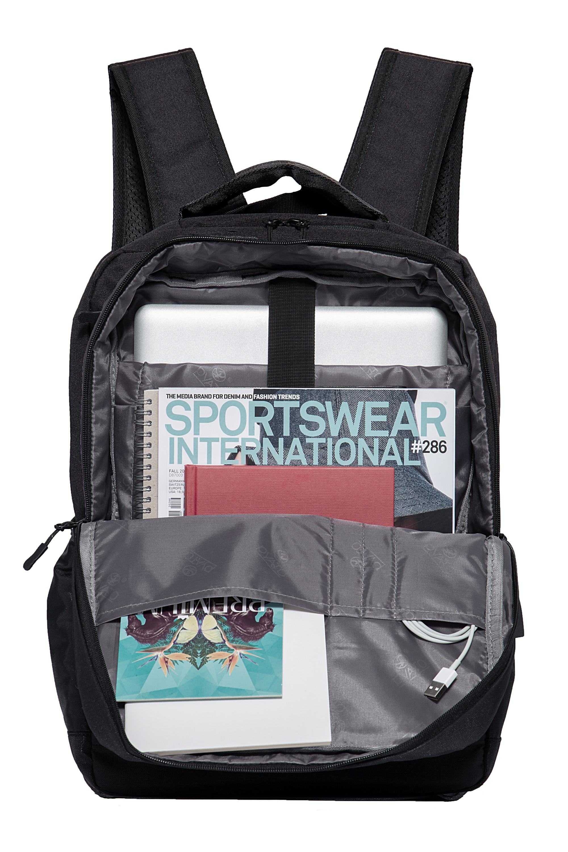 Pyato Rucksack mit schlichtem Design in schwarz günstig kaufen