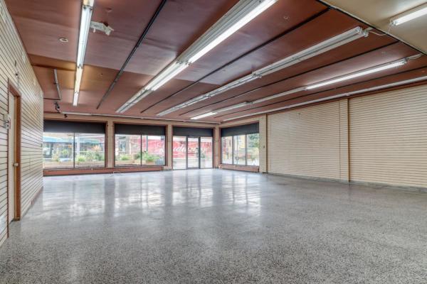3,000 sqft Commercial Space on Jean-Talon E.