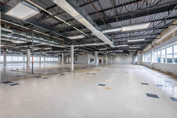 Industrial and Office Spaces Ideal for Laboratory