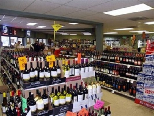 Attractive Liquor Store in DuPage County