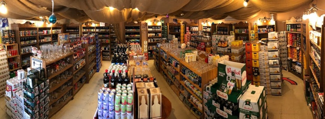 Mini Supermarket Specializing in Microbrewery Beer