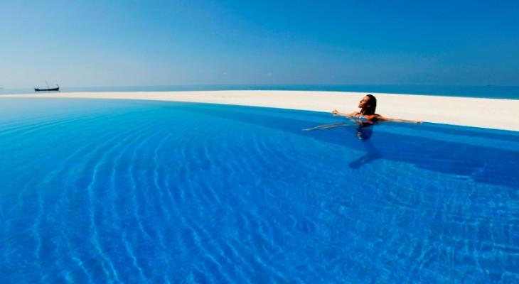 5 star/upscale resort with 105 keys Beachfront & O