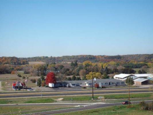 Highway Frontage Motel Minnesota 840k