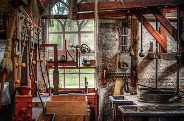 Restoration & Reconstruction Service Business