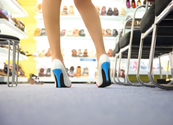 Women's Fashion Footwear Brand & Retail Stores