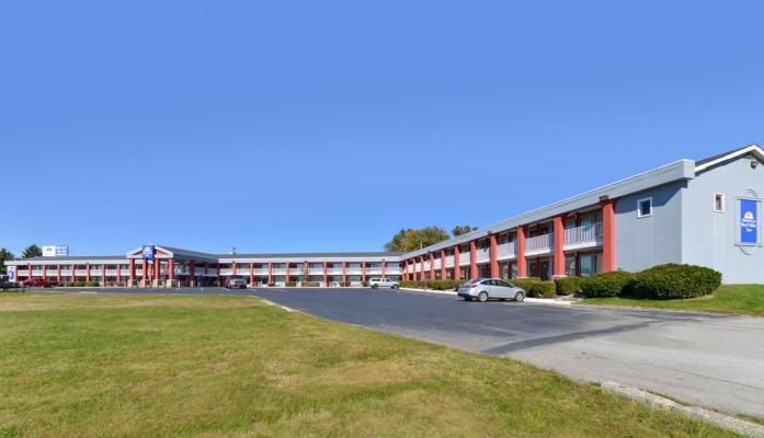 60 Room Red Roof Inn Near Lexington, Kentucky