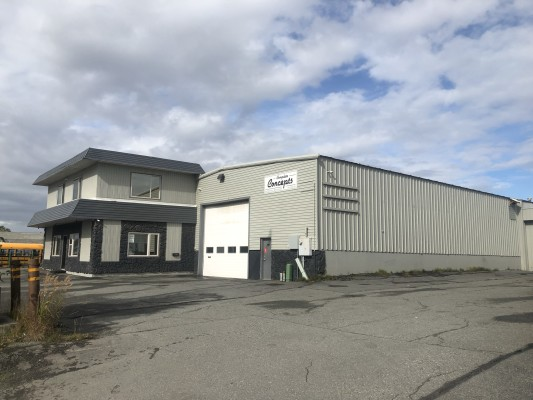 Building for Sale in Great Location