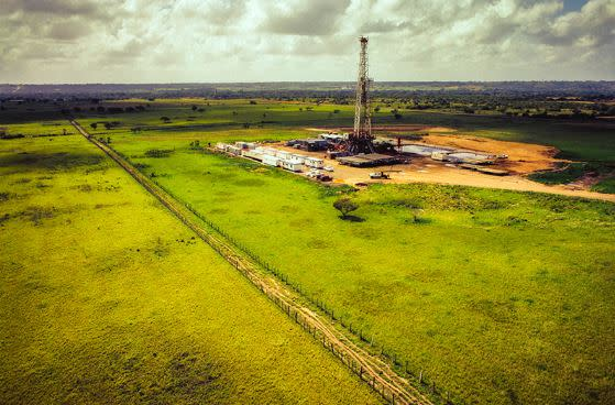 7 Income Producing Oil Fields Calf. 218M