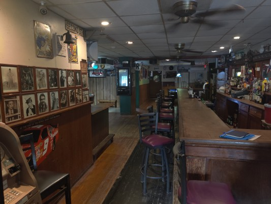 Bar with Packaged Goods in Warren County NJ
