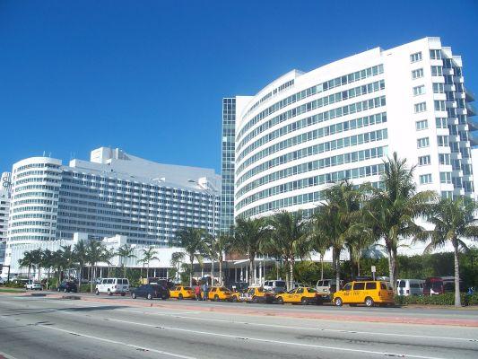 Luxurious 5-Stars Hotel
